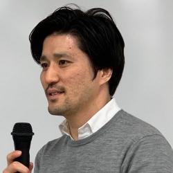 秋田 直器<br>Naoki Akita