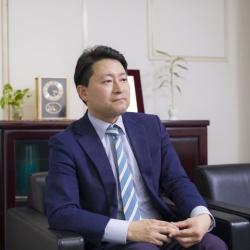 片桐 隆信<br>TAKANOBU KATAGIRI