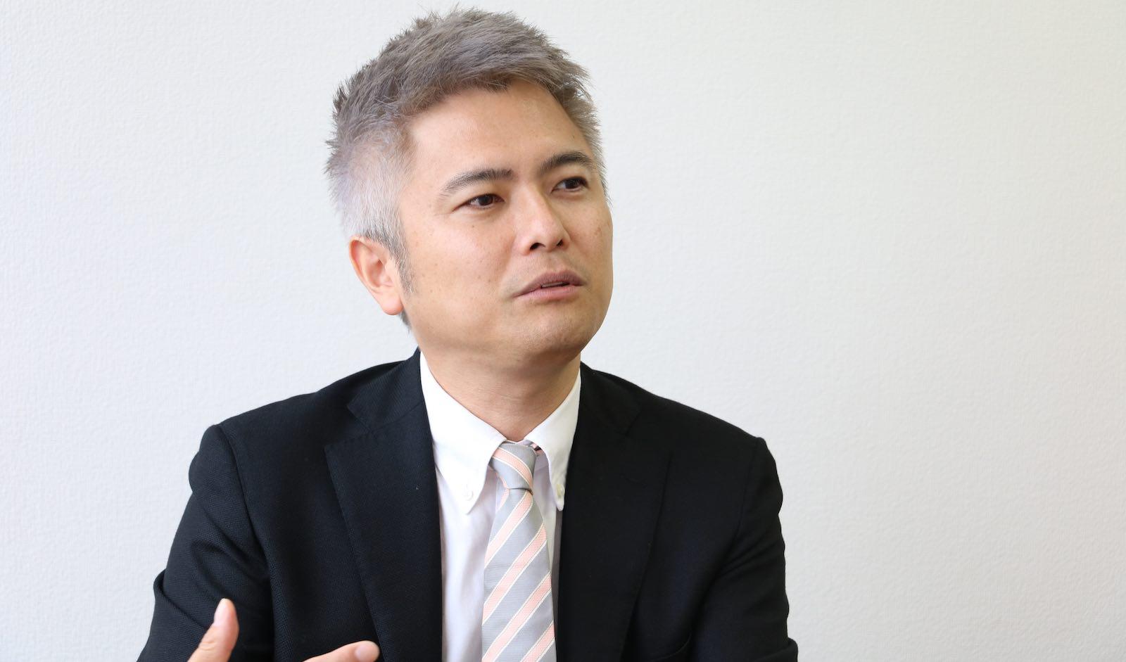 「読んだ翌日から仕事に活かせるものにしないと意味が無い」と語るIoTNEWS代表の小泉 耕二氏